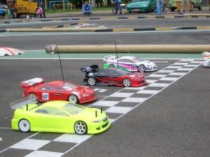 1280px-RC_car_racing